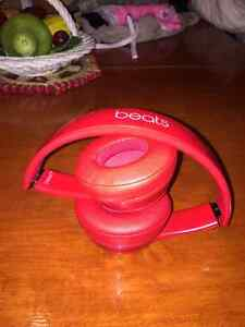 Dr. Dre beats solo 2 (all red) West Island Greater Montréal image 1
