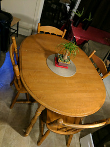 40 $ Table and Chairs