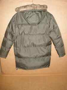 TWISTED WEAR Moss Hooded Coat Size 8/10 London Ontario image 2