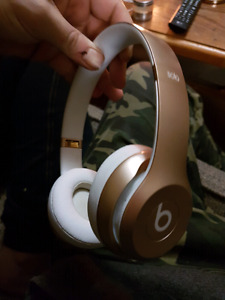 BEATS SOLO 2 WIRELESS GOLD - LIKE NEW $200 OBO