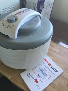 Nesco food dehydrater and jerky maker for sale