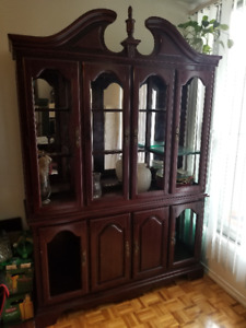 2 piece buffet 6 chairs and dinning table with leaf