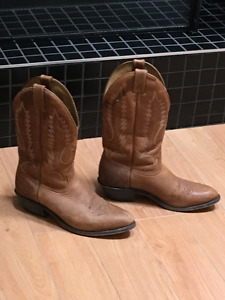Like New Men's Boulet Cowboy boots Size 10