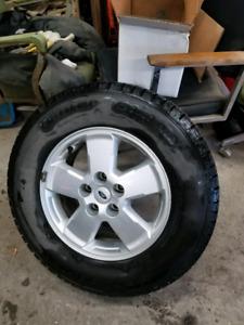 4 mags ford escape 2012 avec pneus d'hiver