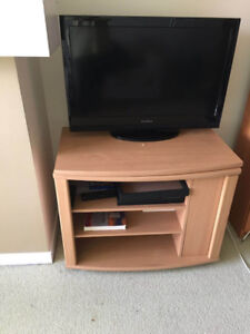 Oak TV Stand - like new condition