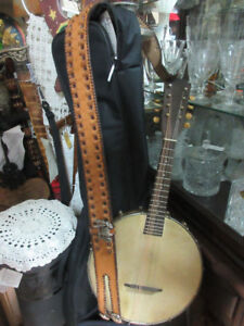 Antique musical instruments and eye catching musical decor
