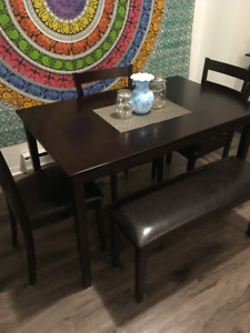 Dining room set, small, great condition