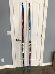 Ski Fischer Combi LS et bottes Salomon 91 SC grandeur 8.5