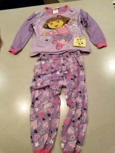 Pyjama fille taille 3 et 4