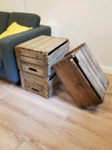 Caisse en bois antique