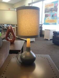 *** USED *** ASHLEY STACIA GRAY LAMP (2/CN)   S/N:51254310   #STORE905
