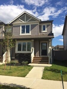 !! PRICE REDUCED FOR THIS BEAUTIFUL 3 BEDROOM DUPLEX!!
