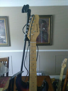 "31"" Sunburst electric guitar with mic/stand and cable"