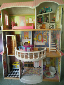 kidcraft dollhouse and assorted furniture