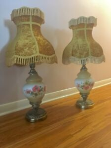 2 large vintage table lamps