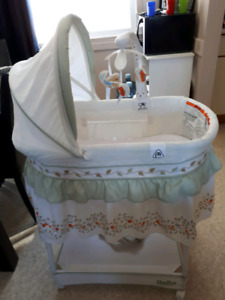 Bassinet price reduced need gone!!