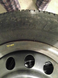 Four 14 in. rims with Bridgestone Insignia 200SE tires West Island Greater Montréal image 3