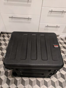 Gator Cases - Deep Molded Case with Wheels