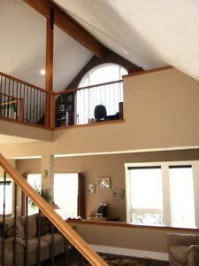 Lake Country / OK Centre Home -  Modern, Stunning Views !