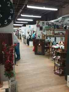 Canada's largest antique mall 600 booths to explore  Belleville Belleville Area image 9