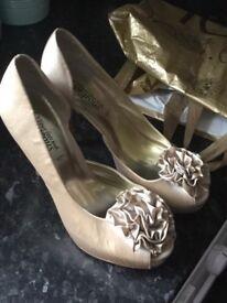 Size 6 ladies shoes