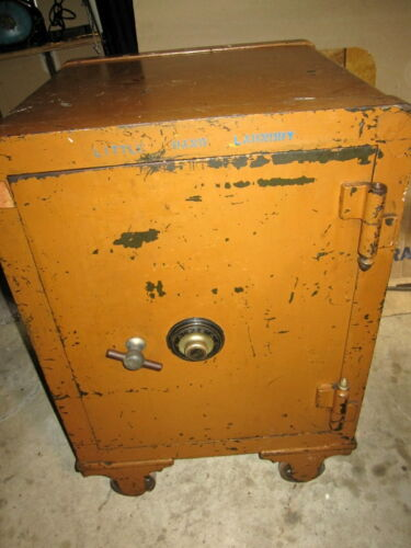 ANTIQUE CAST IRON YALE FLOOR SAFE W/ COMBINATION WORKING HEAVY ON WHEELS NY