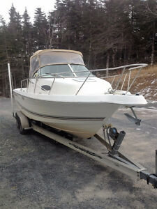 2000 Walk-around Welcraft Boat