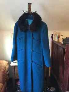 Beautiful vintage women's coat