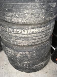 4 pneus toyo d'été  225 -65 -17pouce et 4 rimes d'acier 16 pouce