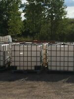 1000 litre plastic water totes