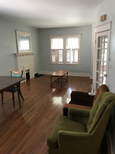 Student rooms near McMaster ( 1 year lease from May, 2018 )