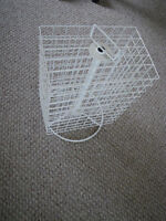 Manual revolving jewellery or craft stand - excellent for sales