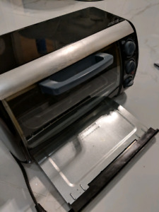 Black & Decker toast and oven
