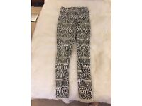 Top shop tribal leggings !