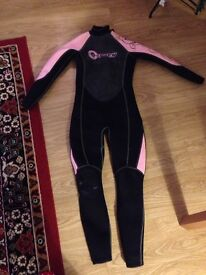 New Osprey Wetsuit woman's size 8-10