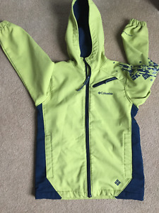 Boys softshell spring/fall columbia jacket