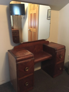 FOUR PIECE ANTIQUE 1940'S SOLID WOOD  DOUBLE  BED BEDROOM SUITE