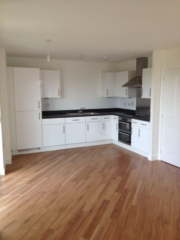 MODERN 2 BED FLAT TO RENT IN ACADEMY WAY BARKING FOR £1250! FULLY FURNISHED. CLOSE TO BARKING ST