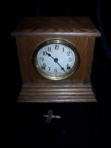 ANTIQUE SESSIONS MANTEL CLOCK -CIRCA 1880 in WORKING CONDITION.