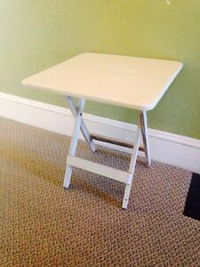 "Vintage Wooden Collapsable Table, 22.5"" x 22.5"" x 25"""