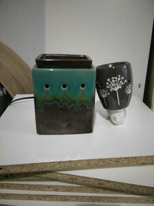 Scentsy warmer and plug in