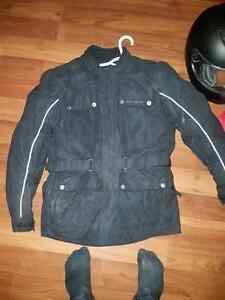 Brand new Bell helmet and tour master jacket  Windsor Region Ontario image 7