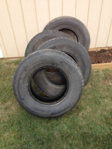 Set of four P255/70R16 winter radial tires
