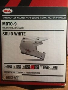 Brand New Bell Moto-9r in white (Large) Peterborough Peterborough Area image 4