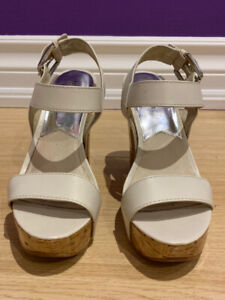 White Michael Kors Heeled Sandals size 7.5 - EXCELLENT CONDITION