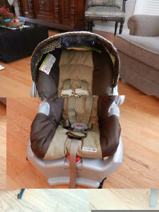 A collection  of car seats West Island Greater Montréal image 3
