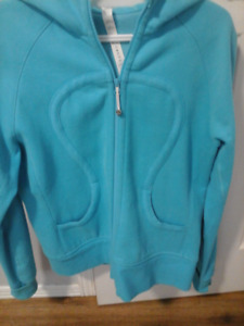EXCELLENT CONDITION LULULEMON HOODIE