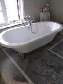 Free standing acrylic bath