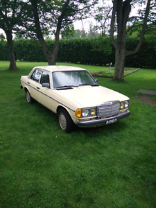 1984 Mercedes Benz 300D Turbo Diesel Sedan