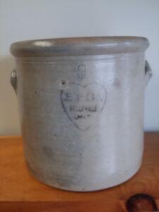 Antique Belleville Crock B.P.Company Belleville Ontario 3 Gallon